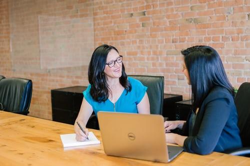 Como acabar con la confianza y el compromiso de tus empleados sin decir nada.